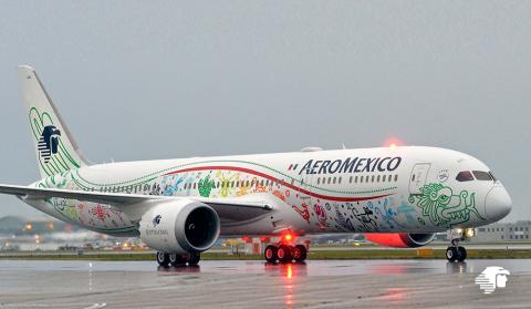 """Aeroméxico Boeing 787-9 Dreamliner """"Quetzalcóatl""""."""