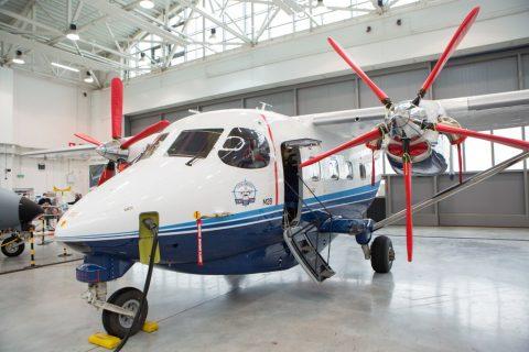 Se prepara el avión M28 para una gira latinoamericana