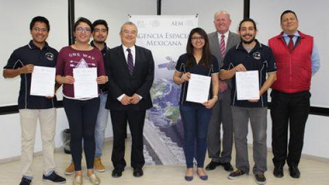 """Vuelven estudiantes mexicanos de la """"ISU"""" Universidad Espacial Internacional"""