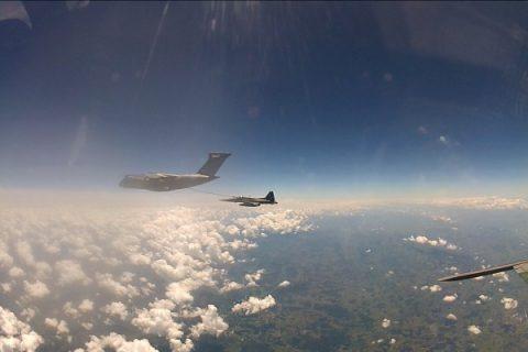 La primera misión de reabastecimiento de combustible del KC-390