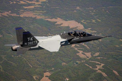 Primer vuelo el segundo prototipo del Boeing T-X