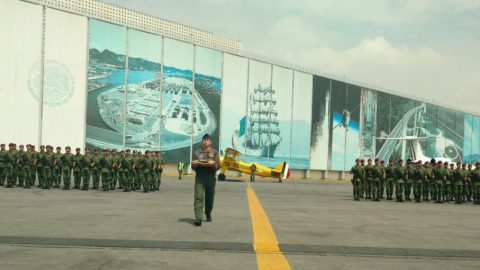 """Conmemoración del """"Centenario del Primer Correo Aéreo en México"""" en el Aeropuerto internacional de la Ciudad de México"""