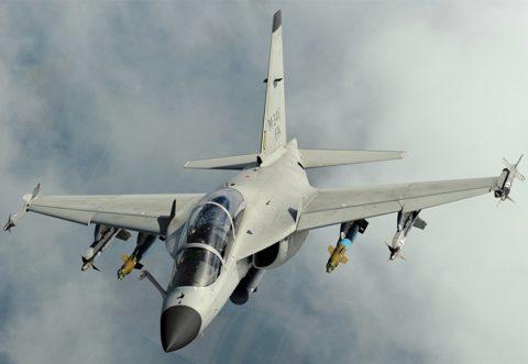 Leonardo presenta la variante de ataque del M-346FT