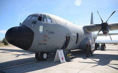 Visitan México dos aviones cazahuracanes para promover la cultura de prevención ante ciclones tropicales