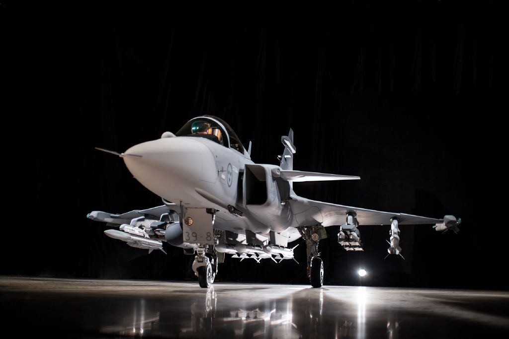 Saab+proudly+presenting+Gripen+E (1)