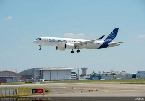 Airbus presenta el A220-100 y el A220-300