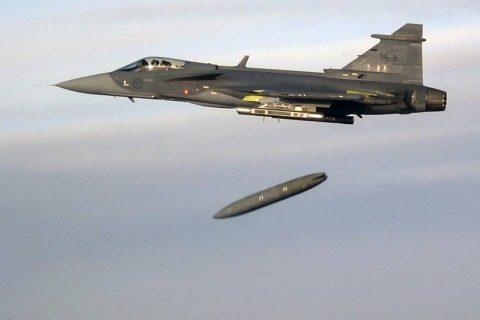 Primer lanzamiento de misiles del Gripen E