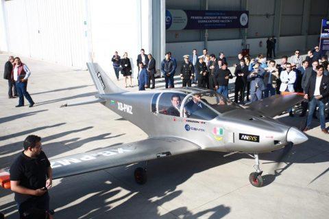 """Presentan primer avión que se fabricara en Guanajuato, el """"Halcón 1"""""""