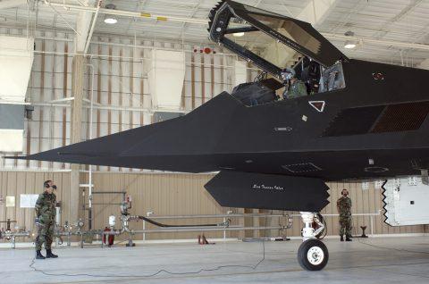 Los aviones F-117 continúan operando?